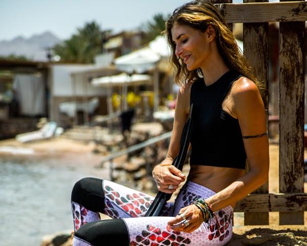A brasileira viaja para diferentes lugares no mundo em busca de novas experiências (Foto: Divulgação)