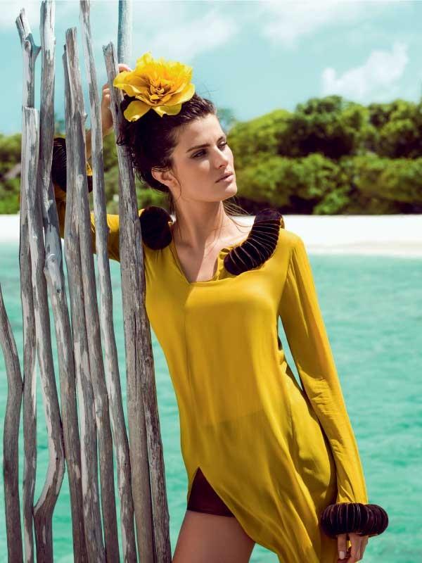 Vestido Adriana Degreas, R$ 4.500 (acompanha hotpants). Flor (sob encomenda) Sabrina Chapéus, a partir de R$ 250 (Foto: Eduardo Rezende (FS.AG))
