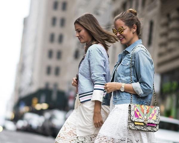 Uma boa jaqueta pode dar um up no look ao mesmo tempo que protege do frio (Foto: Imaxtree)